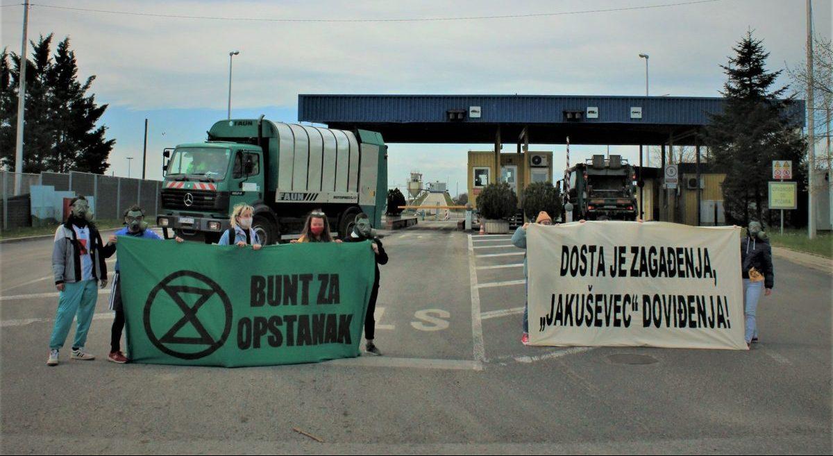 Jakuševac: Prosvjedni igrokaz u podnožju zagrebačke planine smeća