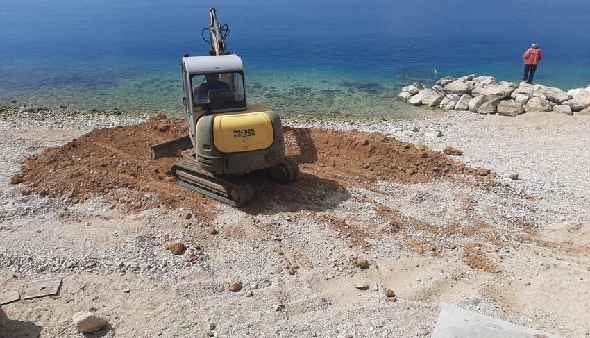 Kako zaustaviti ubojice podmorja: Makarske vlasti opet devastiraju plaže zemljanim otpadom