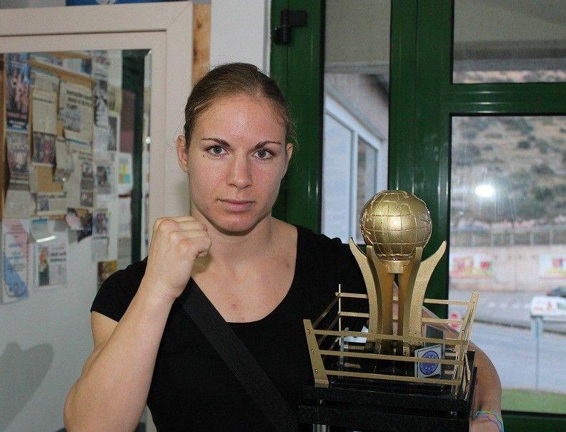 Bez dočeka i slave: Prvakinja svijeta u kickboxingu s prvenstva se vraća – na posao u ured!
