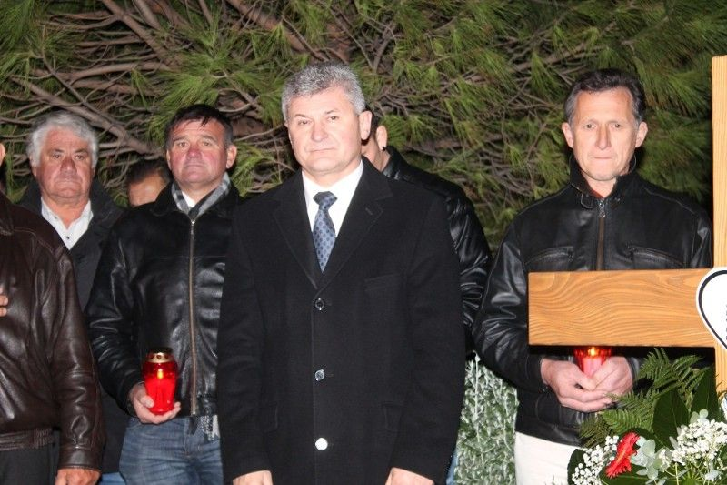 Stipe Petrina od predsjednika HSS-a Branka Hrga traži da ukloni križ kojeg je bespravno postavio u Primoštenu