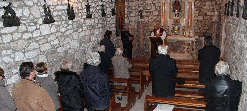 HSS-ovci su križ ukrali iz smeća i postavili ga u crkvici sv. Roka