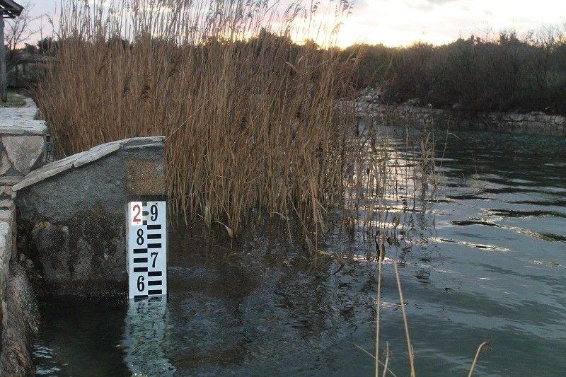 Kanal između mora i Vranskog jezera prokopan je još 1770. kako bi se isušilo močvarno zemljište i dobilo što više plodnoga tla. (Foto: Hrvoslav pavić)