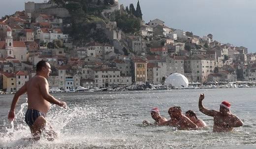 Rekord je oboren: 14 kupača se jutros okupalo na Banju