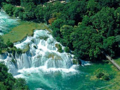 Živa voda: na Skradinskom buku čiste i pročištače rijeke Krke, a Knin i Drniš je još uvijek zagađuju
