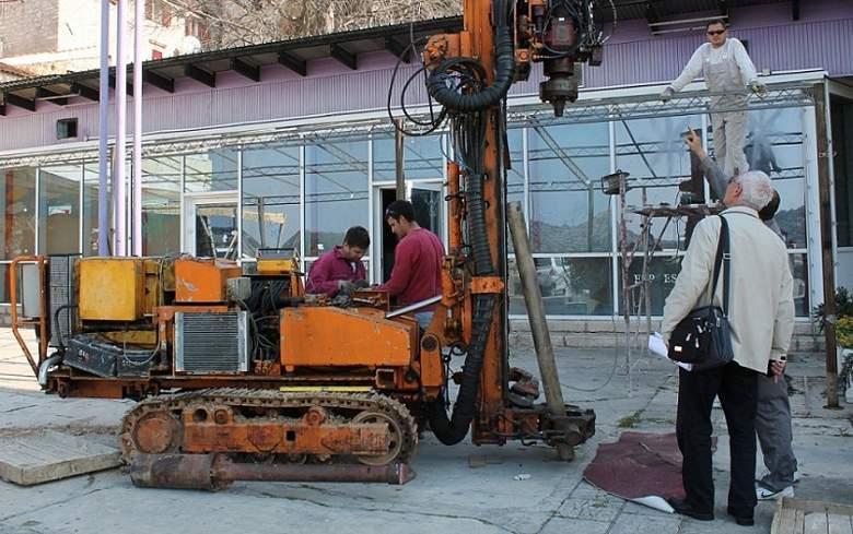 Peškarija - ispitivanje zemljišta za temelje buduće poslovno-stambene zgrade (Foto H. Pavić) (10)