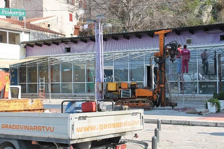 Građevinski strojevi stigli na Peškariju, ali gradnja ipak još neće početi