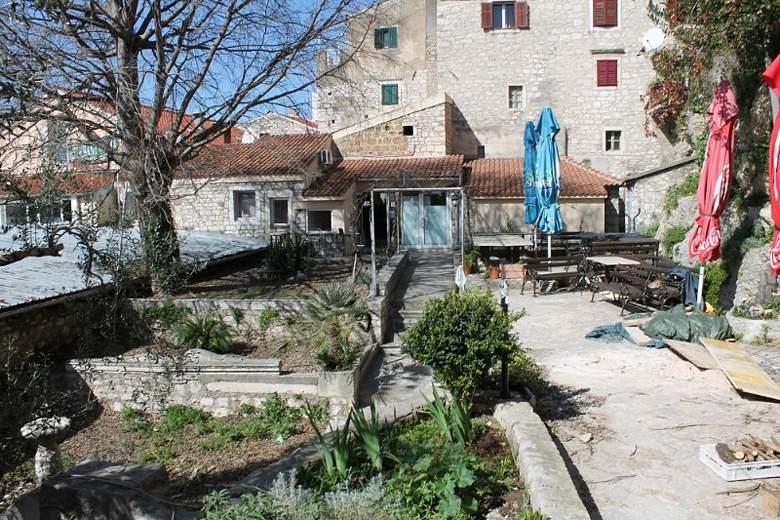 Peškarija - samostanski vrt (3)