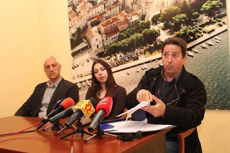 Stipe Petrina žali se na progon Ukoka (Foto H. Pavić) 047
