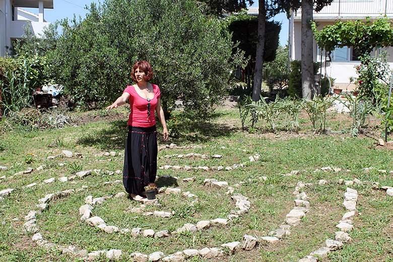 Branka Mandić u svom labirintu