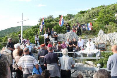 Komemoracija nad jamom u Tišnjanskoj Dubravi: Istina, milosrđe i ljubav u ime žrtava