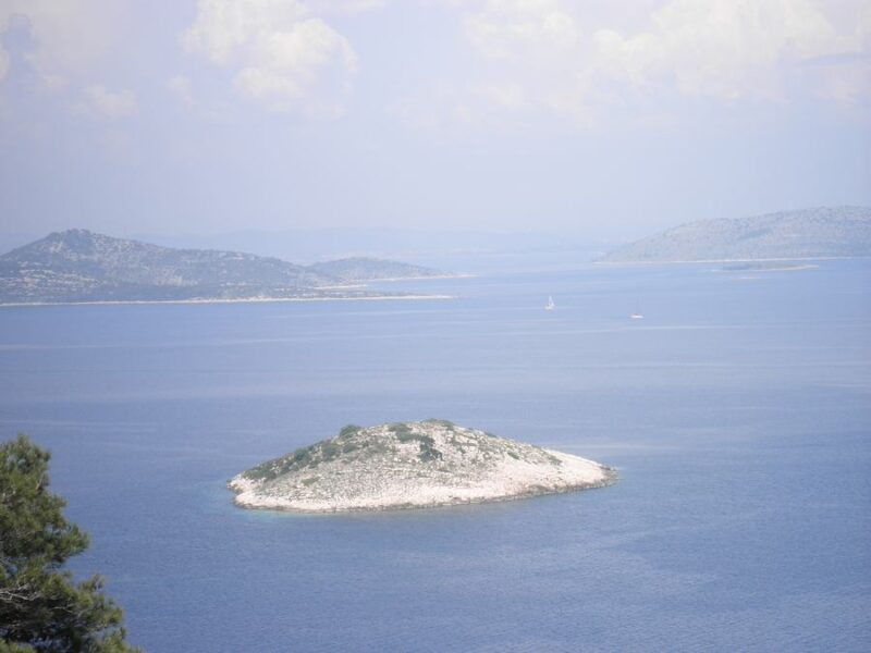 Pogled sa Žirja na Obonjan i susjedne otočiće