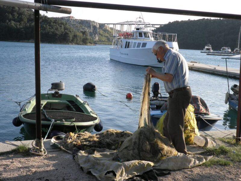 Unatoč krizi, u Hrvatskoj sve veći broj ribara, plovila i ulovljene ribe
