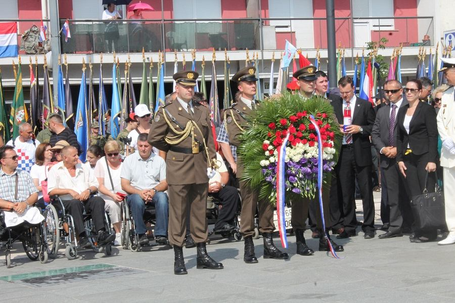 S jučerašnje 'proslave' u Kninu (foto H. Pavić)