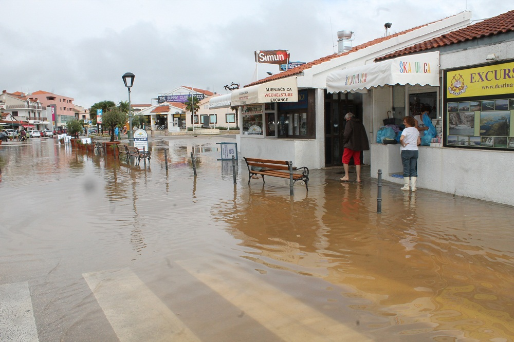 Poplave u Vodicama i Tribunju (Foto H. Pavić) (11)
