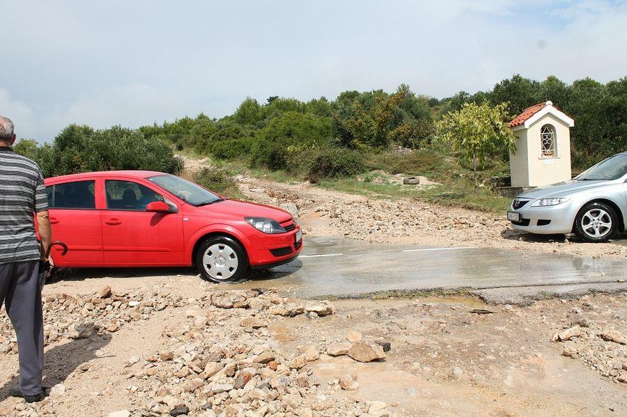 Poplave u Vodicama i Tribunju (Foto H. Pavić) (19)