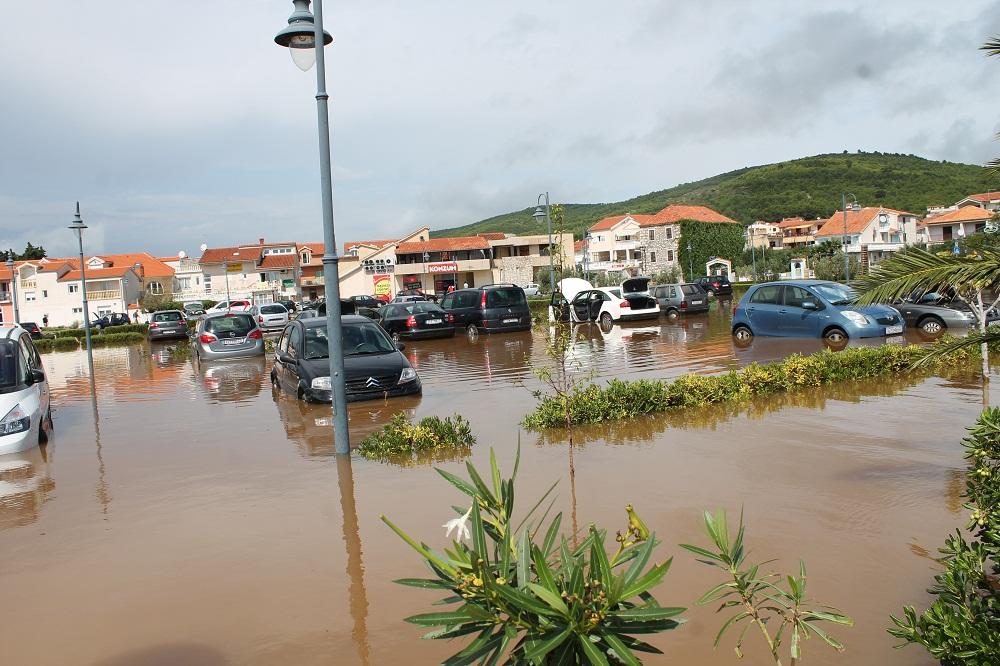 Poplave u Vodicama i Tribunju (Foto H. Pavić) (31)