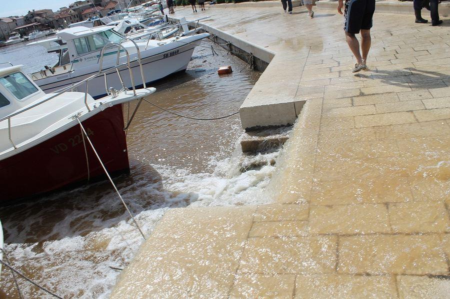 Poplave u Vodicama i Tribunju (Foto H. Pavić) (4)