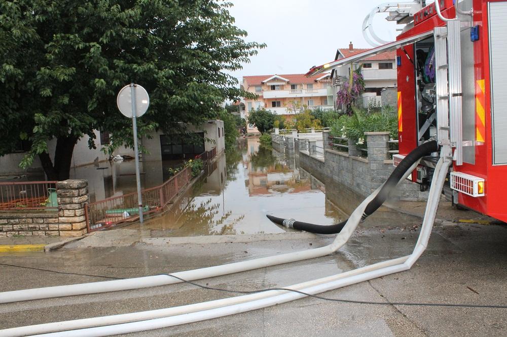 Poplave u Vodicama i Tribunju (Foto H. Pavić) (8)