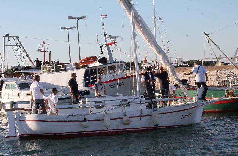 Među posadom leuta Jaruh i ove godine plovili su ministri Zmajlović i Hajdaš Dončić (Foto: Hrvoslav Pavić)