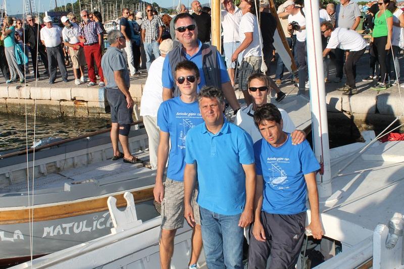Posada 'Sirotice' Damir Čorkalo, braća Vito i Krešo Markov, Ivan Ježina i Izidor Juraga (Foto. Hrvoslav Pavić)