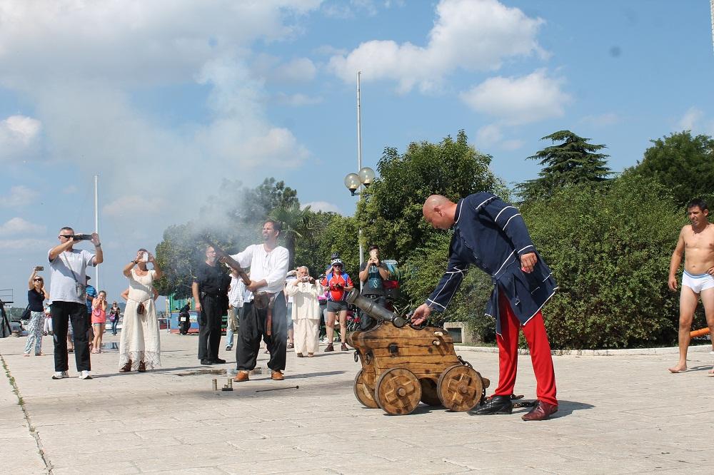Sajam u srednjovjekovnom Šibeniku - zatvaranje (Foto H. Pavić) (1)