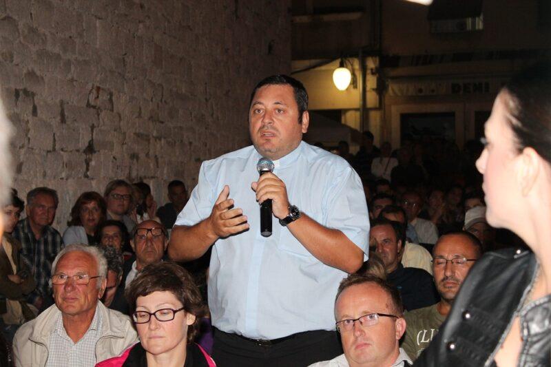 Don Franjo Glasnović – reakcija na komentar: Hrvatska (ni)je sekularna država: Tko dirne u Crkvu, državni je  neprijatelj!