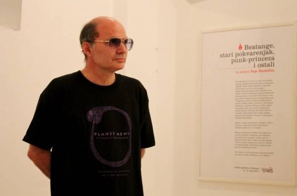 Vojo Šindolić na otvaranju izložbe u Šibeniku (Foto: ŠibenikIN)