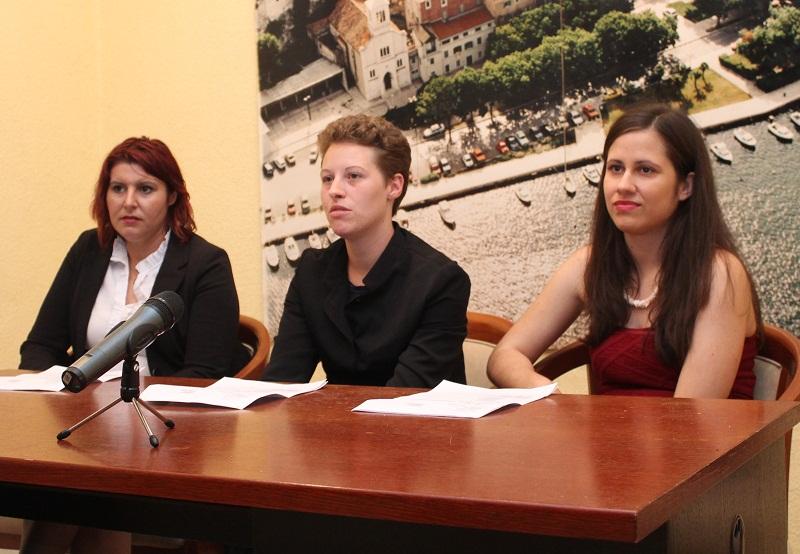 Građanska inicijativa za zdravu Vodu - Barbara Žižić, Iva Milutin i Alisa Jajac (Foto Hrvoslav Pavić)