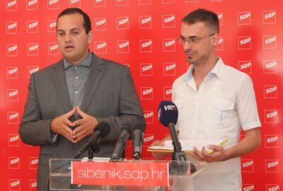 Predsjednik šibensko-kninske Županijske organizacije SDP-a Ivan Klarin i predsjednik kninske Gradske organizacije Mirko Antunović (Foto H. Pavić)