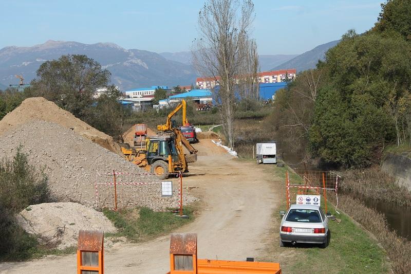 Sanacija nasipa Orašnice (Foto H. Pavić)