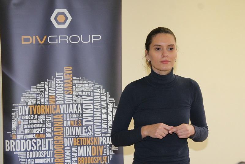 Nova radna mjesta nezaposlenim Šibenčanima predstavila je Marina Brekalo iz DIV-ova odjela za ljudske potencijale (Foto: H. Pavić)