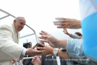 Papa Franjo 'lustrira' svjetleće gospe i njihova pisma