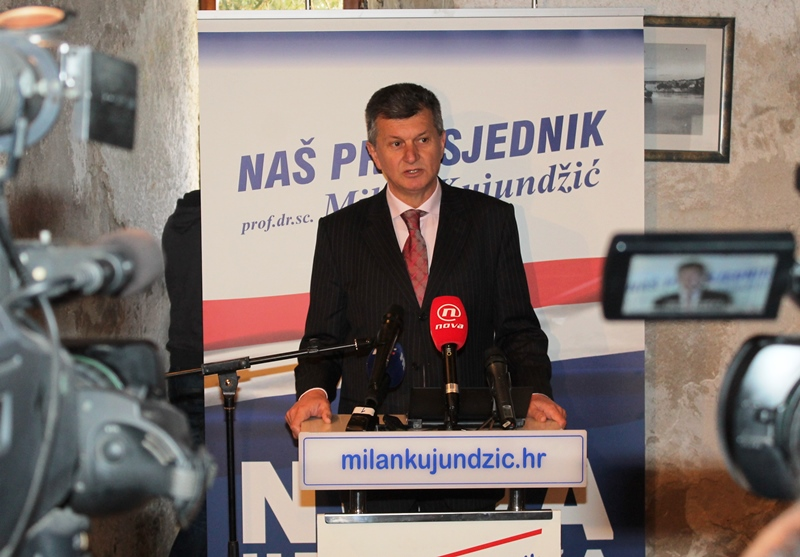 Predsjednički kandidat Milan Kujundžić u Šibeniku (Foto H. Pavić) (10)