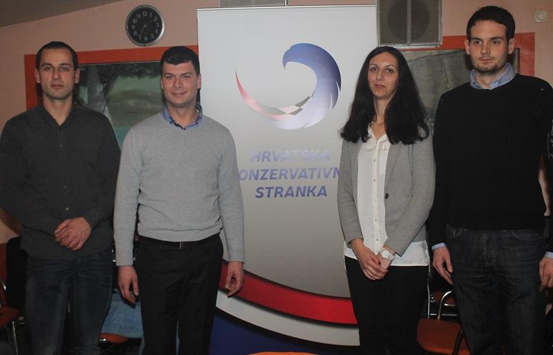 Vodstvo šibenske organizacije Hrvatske konzervativne stranke (Foto: Tris/H. Pavić)