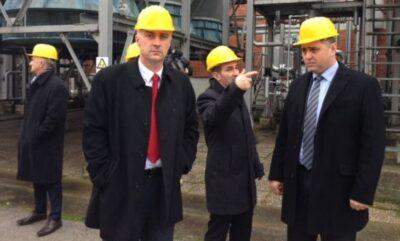 Vrdoljak s kacigom, drugi s lijeva, dok je bio ministar gospodarstva u 'lijevoj' vlasti, arhiva (foto Ministarstvo gospodarstva)