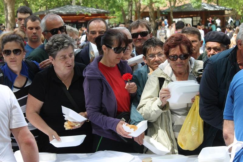 Proslava 1. svibnja na Krki: Karanfili i grah za radni narod i turiste