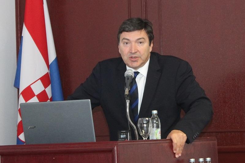 Ministar Mornar govori na proslavi obljetnice Veleučilišta (Foto: H. Pavić)