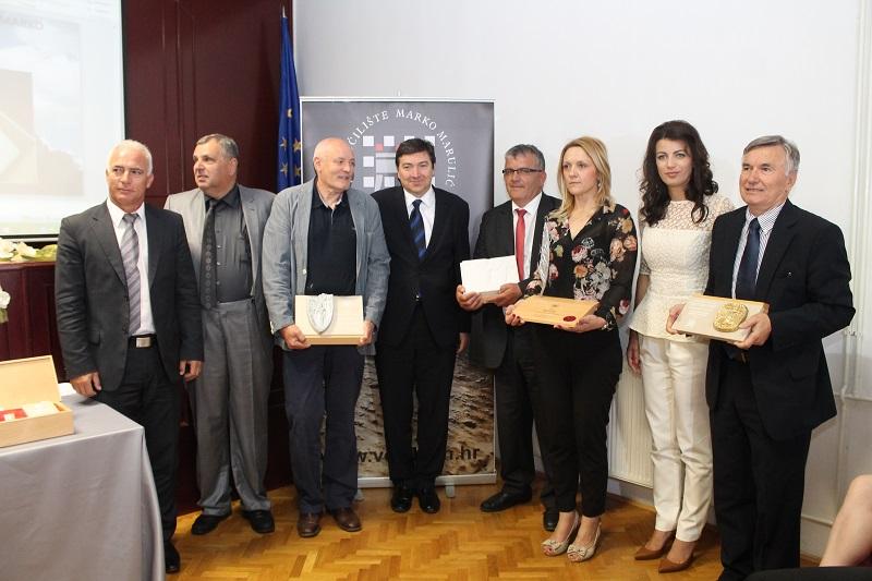 Ministar Mornar i gradonačelnica Rimac s dekanom i dobitnicima priznanja Veleučilišta (Foto: H. Pavić)
