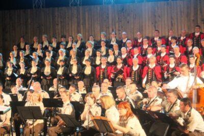 Kolo i Vojni orkestar sinoć na tvrđavi sv. Mihovila