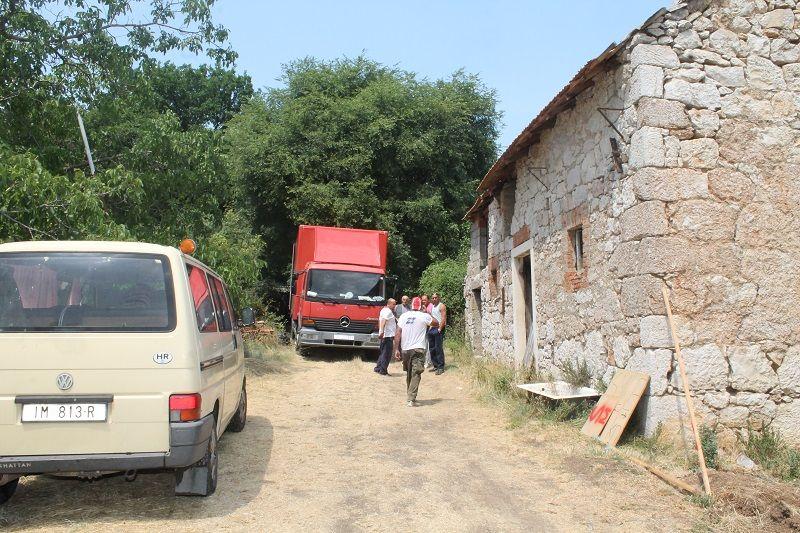 Smilje - otkupna stanica u Čenićima (Foto H. Pavić) (4)