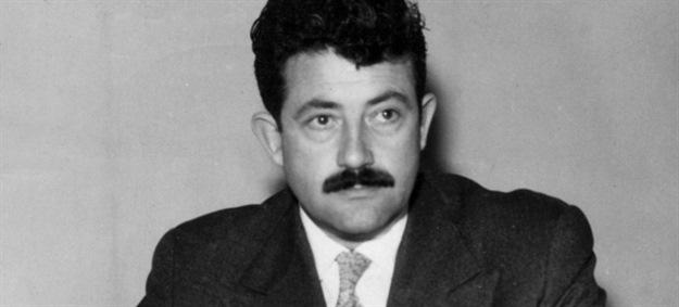 """Mladen Bjažić inicijator je i urednik prvih poslijeratnih strip-sveski (""""Snježana i sedam patuljaka"""", """"Patuljak Nosko"""", """"Izgubljeni svijet""""). Mladen Bjažić prvi je urednik Vjesnikova strip-zabavnika """"Petko"""" (1952), a ujesen 1954. pokrenuo je legendarni """"Plavi vjesnik""""."""