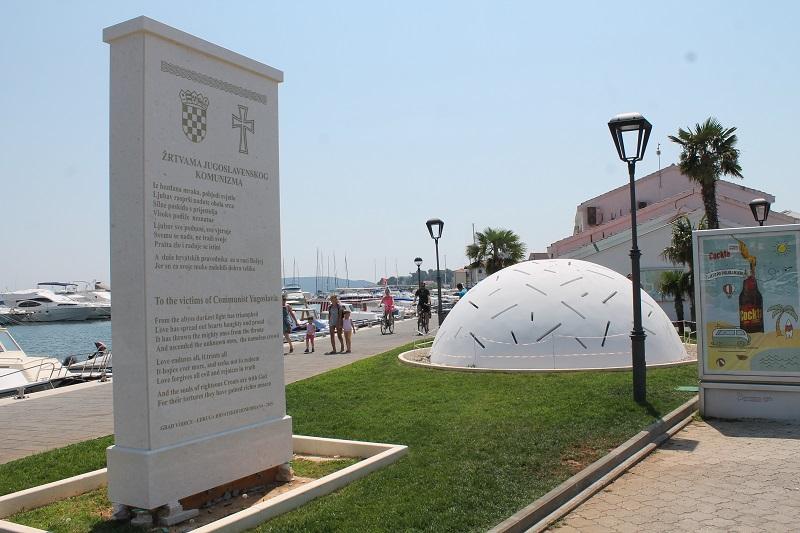 Spomenik žrtvama jugoslavenskog komunizma (Foto H. Pavić) (1)