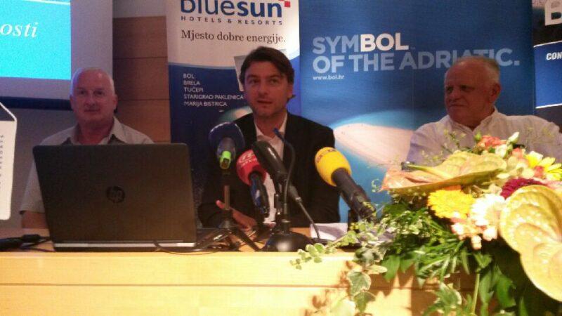 Ministar u Bolu - foto: TRIS/Marko Podrug