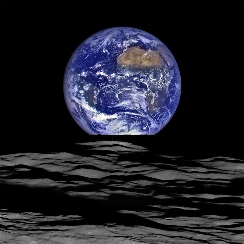 Zemlja (foto Hina)