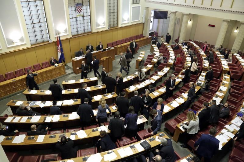 Koalicija Hrvatska raste u Saboru pokrenula pitanje povjerenja Crnoji