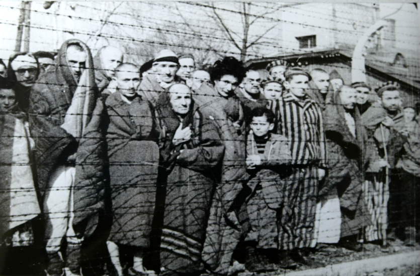 Auschwitz - zatočenici koji su dočekali kraj rata (foto Wikipedia)