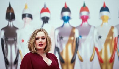 Adele (EPA/ANDREW COWIE/Hina)