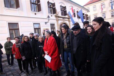 Inicijativa Kulturnjaci 2016 predala Vladi i Oreškoviću apel za smjenom ministra Hasanbegovića