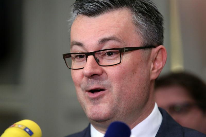 Premijer Orešković: Danas odluka o ministru branitelja