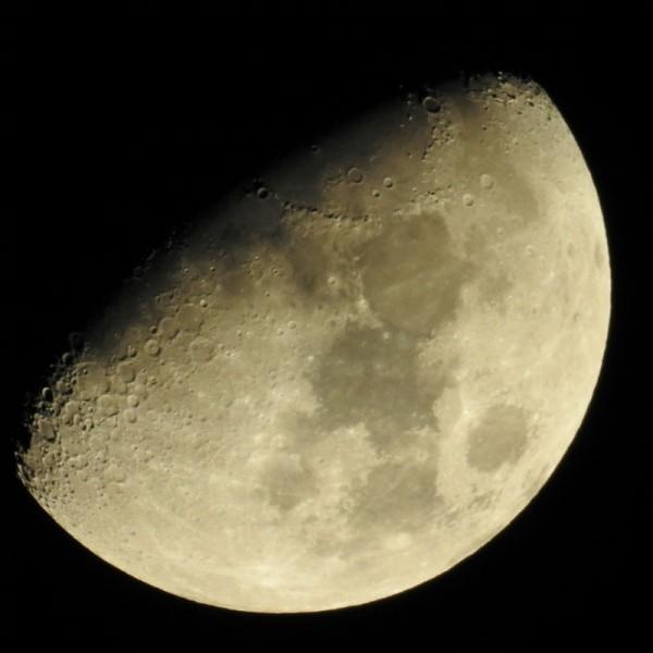 Mjesec - gradilište? (foto TRIS/Goran Šimac)